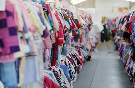 kids-clothing-racks