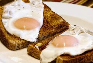 fried-eggs-breakfast