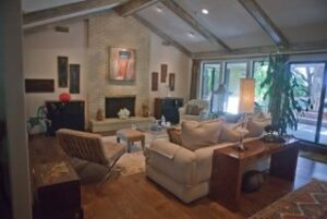Nicole Arnold Interiors - open living room 2