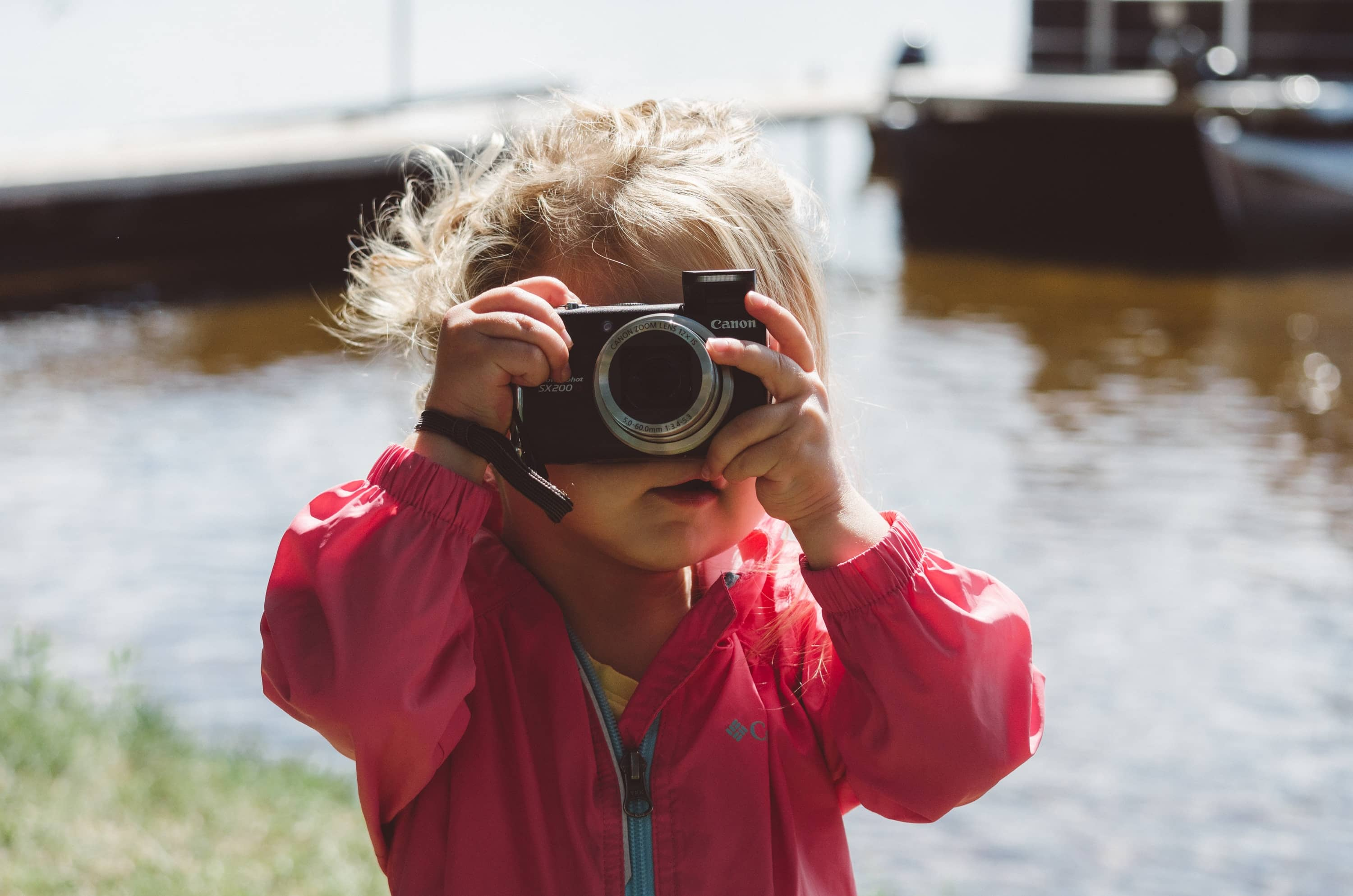 5 Tips for Surviving Family Photos With a Toddler