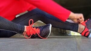 Fitness tennis shoes stretching
