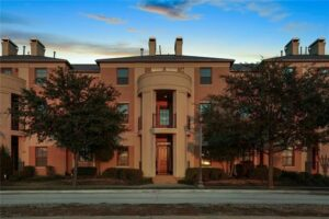 8444 Library St 13963185