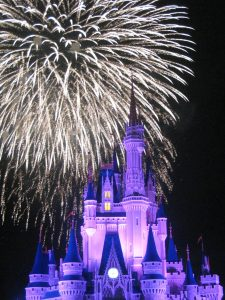 disney-magic-kingdom-castle-fireworks